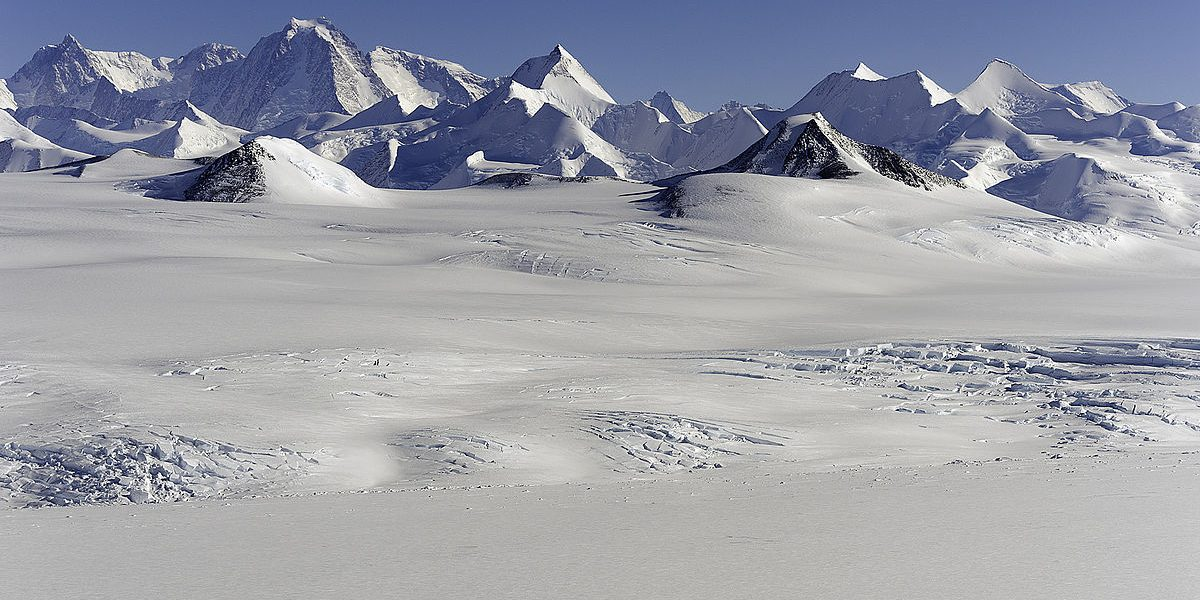 Sentinel_Range_Ellsworth_Mountains_Antarctica